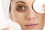 2 cách trị thâm mắt bằng muối đơn giản và hiệu quả