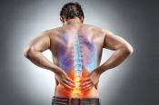 Giải đáp: Đau xương sống vùng thắt lưng là do đâu?